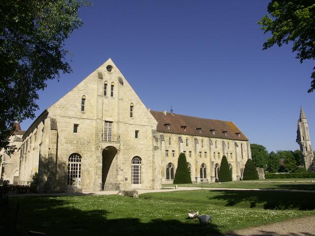 L'abbaye de Royaumont dans le parc naturel Oise - Pays de France / © PNR Oise - Pays de France