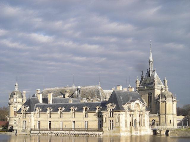 Le château de Chantilly dans le parc naturel Oise - Pays de France / © PNR Oise - Pays de France