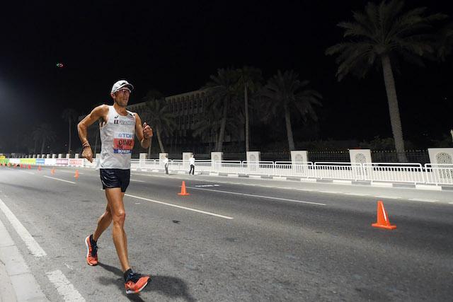 Yohann Diniz lors de l'épreuve de 50 km marche des championnats du monde d'athlétisme à Doha en 2019 / KMSP/FFA