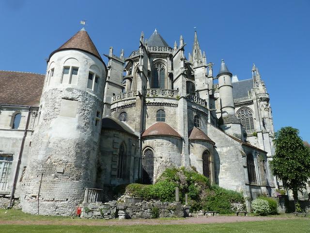 La cathédrale de Senlis dans le parc naturel Oise - Pays de France / © PNR Oise - Pays de France