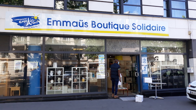 Une boutique Emmaüs au 158 boulevard Diderot à Paris (12e) / © Jean-Marc Danon