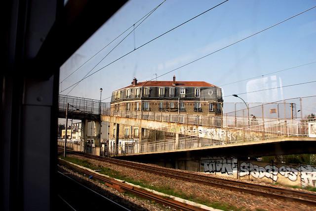 Paysage le long du RER / © Beyond DC (Creative commons - Flickr)