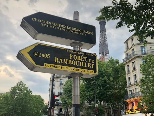 La signalétique grand-parisienne 2020 indique de nombreuses forêts accessibles en transports en commun depuis Paris / © Steve Stillman pour Enlarge your Paris