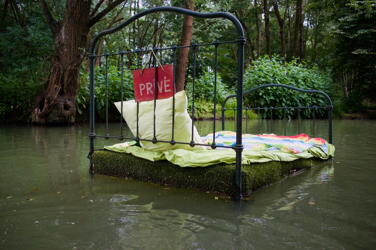Locadventure 4 : Lit abandonné / © Joséphine Lebard pour Enlarge your Paris