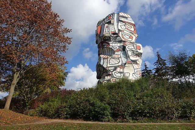 La Tour aux Figures sur l'île Saint-Germain à Issy / © Guilhem Vellut (Creative commons - Flickr)