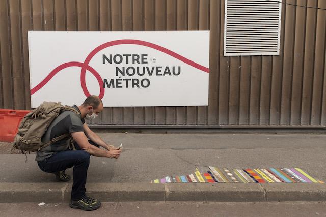 Jour 8. Une oeuvre du street artist Ememem à la sortie de la station de métro de Créteil-l'Echat /  © Jérômine Derigny pour Enlarge your Paris