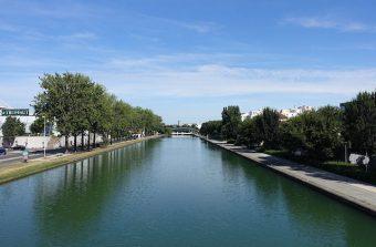 Embarquez pour une croisière piétonne le long du canal Saint-Denis