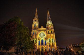 Notre-Dame de Chartres revêt son habit de lumières