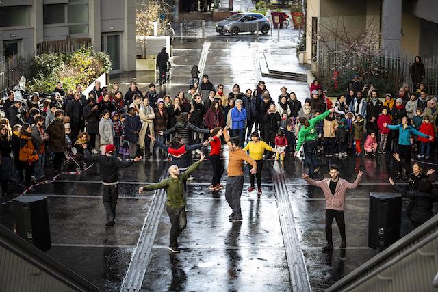 Le festival Frontière(s)//La Grande Tablée mettra en scène les pratiques artistiques amateurs dans les rues du 20e arrondissement samedi 26 septembre / © Joseph Banderet