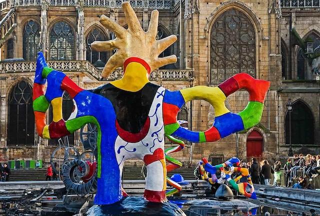 La fontaine Stravinsky à Paris conçue par l'artiste Niki de Saint Phalle avec le sculpteur Jean Tinguely / © Daniel Bracchetti (Creative commons - Flickr)