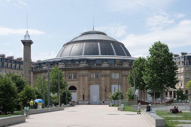 La Bourse de commerce dans le quartier des Halles à Paris / © Xiquinhosilva (Wikimedia commons)