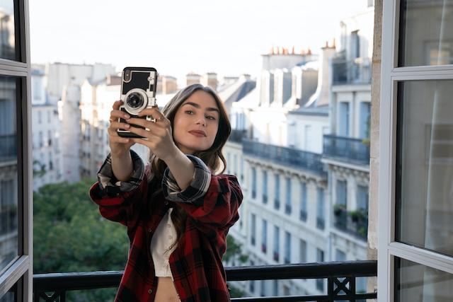 La série Emily in Paris est diffusée sur Netflix depuis début octobre / ©  Stéphanie Branchu - Netflix