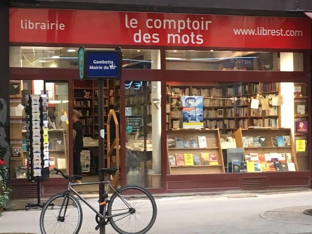 La librairie le Comptoir des mots dans le 20e fait partie du réseau de libraires indépendants grand-parisiens Librest qui va proposer le click & collect et la vente par correspondance pendant le confinement / © Le Comptoir des mots
