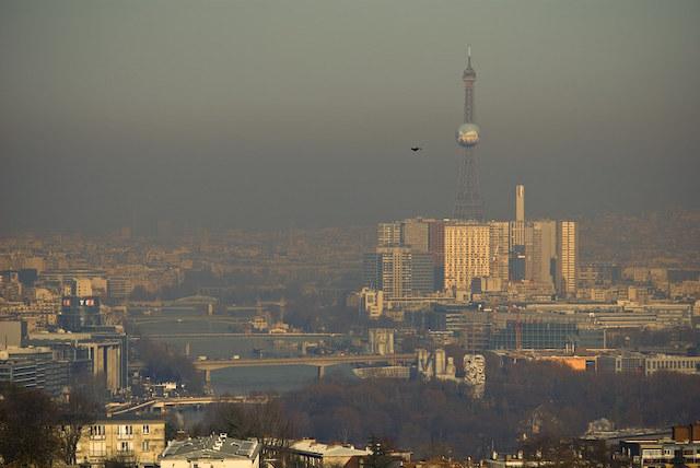 Nuage de pollution à Paris / © Christophe Debelmas (Creative commons - Flickr)