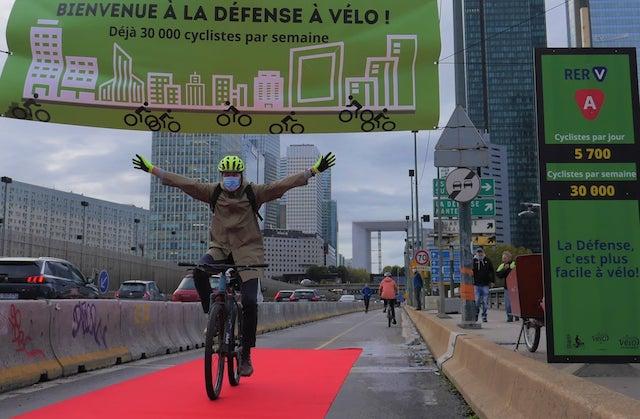 Coronapiste à La Défense / © Collectif Vélo Île-de-France