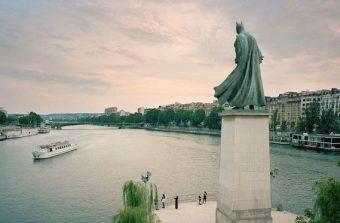 Des icônes de la pop culture statufiées dans Paris
