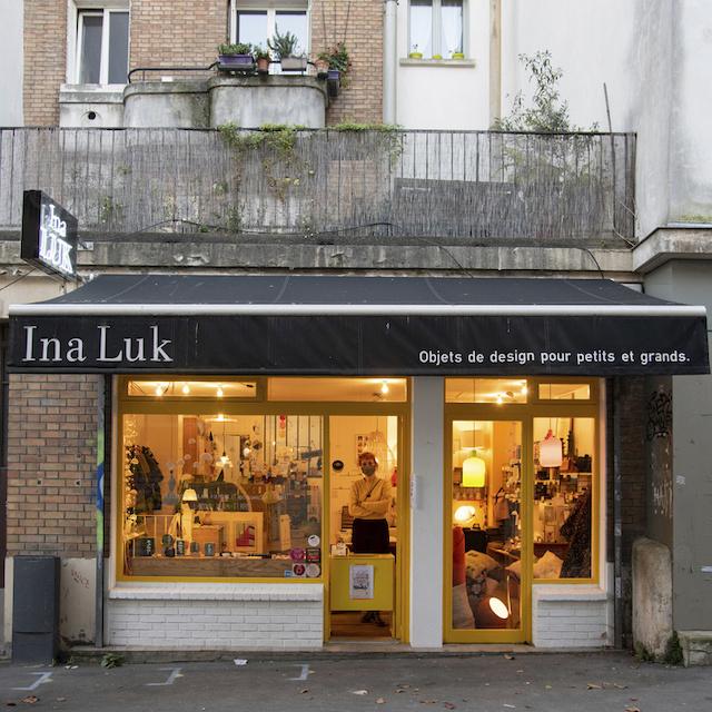 Dans sa boutique Ina Luk au 5 rue Victor Hugo à Montreuil, Christine vend des objets de design pour petits et grands / © Jérômine Derigny pour Enlarge your Paris