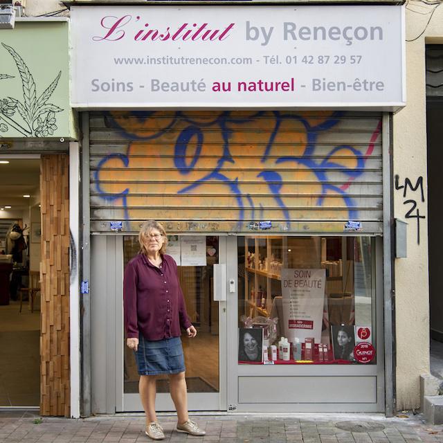 Sylvie dirige un institut de beauté au 64 rue du Capitaine Dreyfus à Montreuil / © Jérômine Derigny pour Enlarge your Paris
