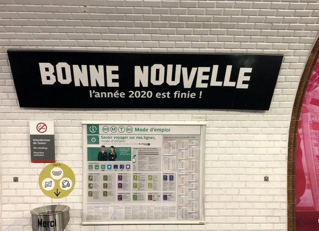 Le panneau de la station Bonne nouvelle du métro spécialement relooké par la RATP pour le 31 décembre / © RATP