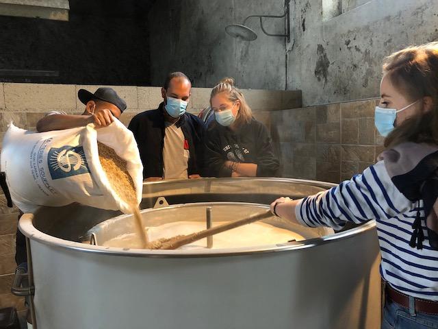 Atelier brassage de bière chez Inkraftbeer Company dans le Parc naturel de la Haute Vallée de Chevreuse / © Inkraftbeer Company