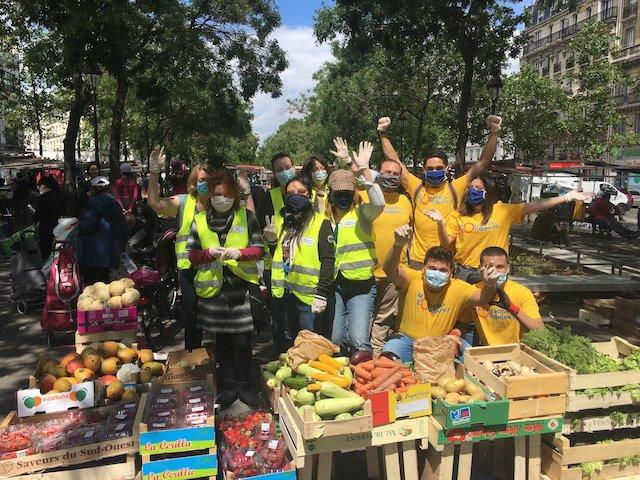 Une collecte organisée sur un marché par Moissons solidaires / © Moissons solidaires
