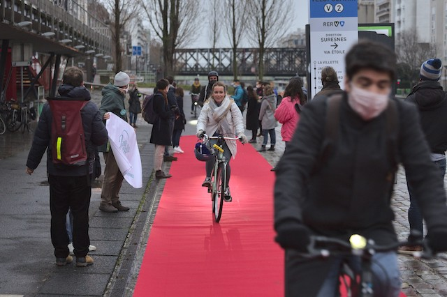 L'association Paris en Selle a déroulé le tapis rouge aux cyclistes le long du canal de l'Ourcq à La Villette ce 27 janvier / © Paris en Selle