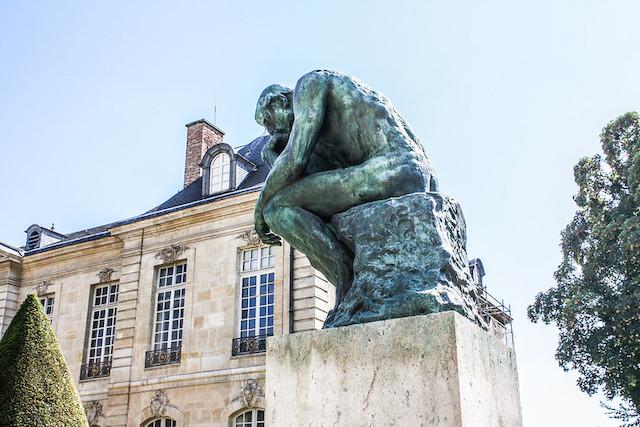 Le Penseur de Rodin dans les jardins de l'hôtel Biron / © Shadowgate (Creative commons - Flickr)