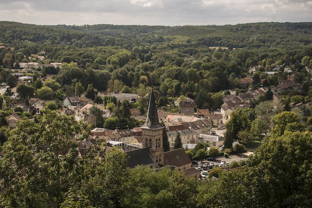 Le village de Chevreuse dans le Parc naturel de la Haute Vallée de Chevreuse / © Jérômine Derigny pour Enlarge your Paris
