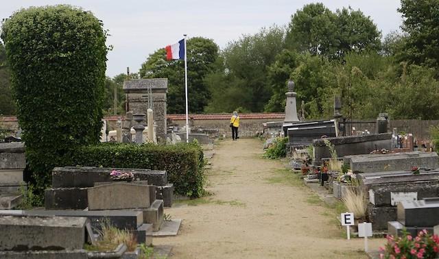 Le cimetière d'Auvers-sur-Oise où sont enterrés les frères Van Gogh, Vincent et Théo / ©  JR P (Creative commons - Flickr)