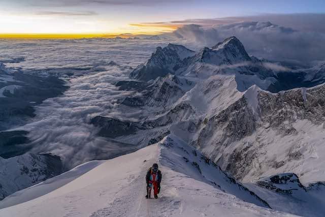 """Everest VR fait partie des 8 films en réalité virtuelle proposés par le Centquatre dans le cadre de son service """"VR TO GO"""" / © Jon Griffith Productions"""