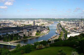 Pour la première fois, un nageur va descendre la Seine de bout en bout