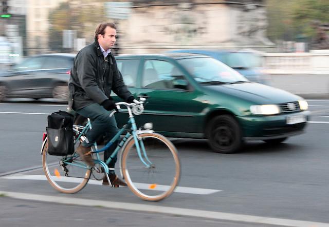 Cycliste à Paris / © Jean-François Gornet (Creative commons - Flickr)