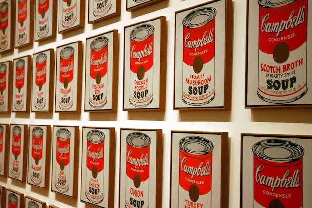 """Campbell's Soup Cans"", l'une des oeuvres emblématiques d'Andy Warhol / © Irem Sen Gunaydin"