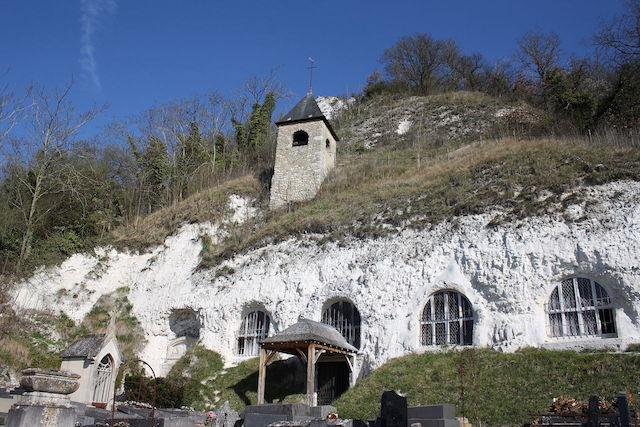 L'église troglodytique de l'Annonciation à Vétheuil / © Reinhardhauke (Wikimedia commons)