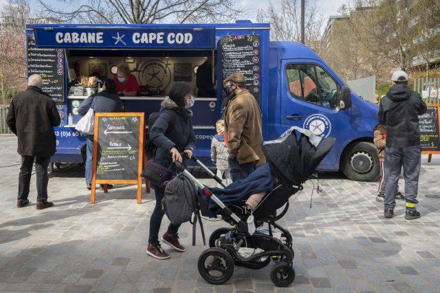 Le food truck La Cabane de Cape Cod dans le parc Martin Luther King à Paris dans le 17e / © Jérômine Derigny pour Enlarge your Paris
