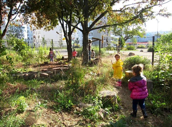 L'association Agir pour l'environnement, qui soutient de nombreuses causes comme la sensibilisation à la nature à l'école, a intégré le crowdfunding à son modèle économique / © Association L'enfant dans la nature