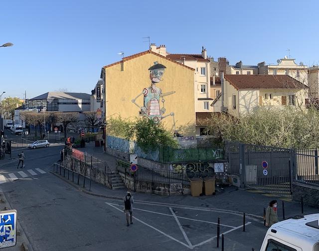 L'oeuvre de l'artiste italien Pixel Pancho, l'une des fresques street art emblématiques de Vitry / © Manon Gayet pour Enlarge your Paris