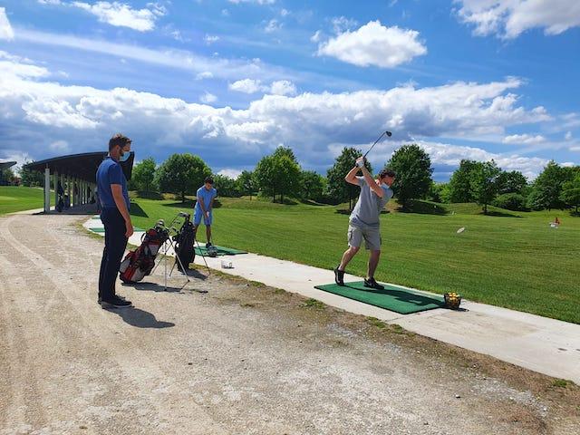 Le practice du golf de la Poudrerie à Livry-Gargan / © UCPA