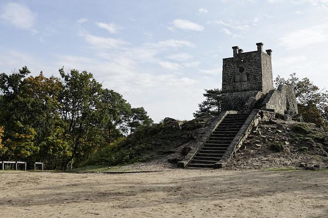La tour Denecourt en forêt de Fontainebleau / © Alexandre Dolique (Creative commons / Flickr)