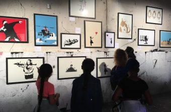 Il rencontre Banksy sans le savoir et lui consacre une expo à la Grande Borne