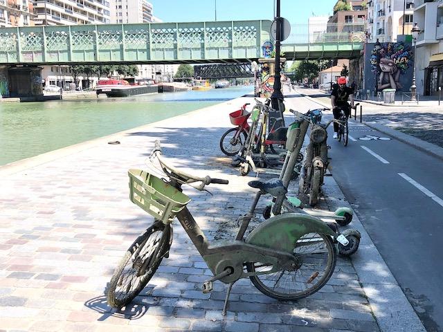 Des trottinettes et des vélos repêchés du canal à Paris / © Steve Stillman pour Enlarge your Paris