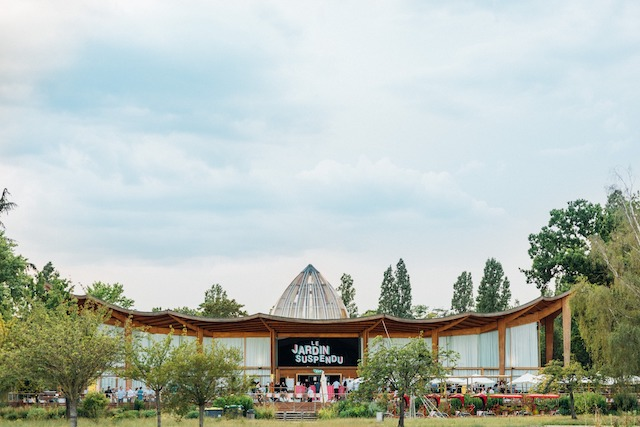 """L'espace chill """"Le Jardin Suspendu"""" dans le bois de Vincennes se prononce désormais """"La Bamba"""" / © La Bamba"""