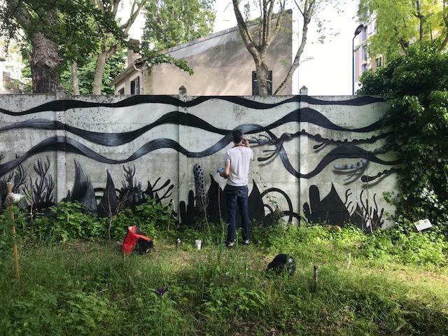 L'artiste Juan Fantôme aux Murs à pêches à Montreuil / © T.I.G.E