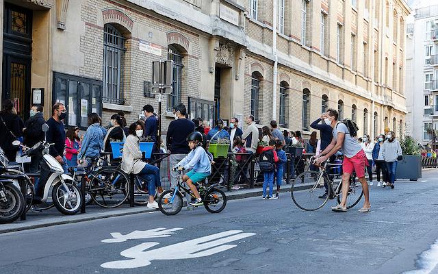 Une rue scolaire à Paris / © Henri Garat - Ville de Paris