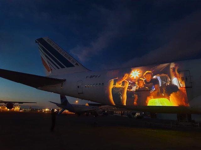 Projection du film E.T sur le Boeing 747 du musée de l'Air et de l'Espace au Bourget / © Musée de l'Air et de l'Espace