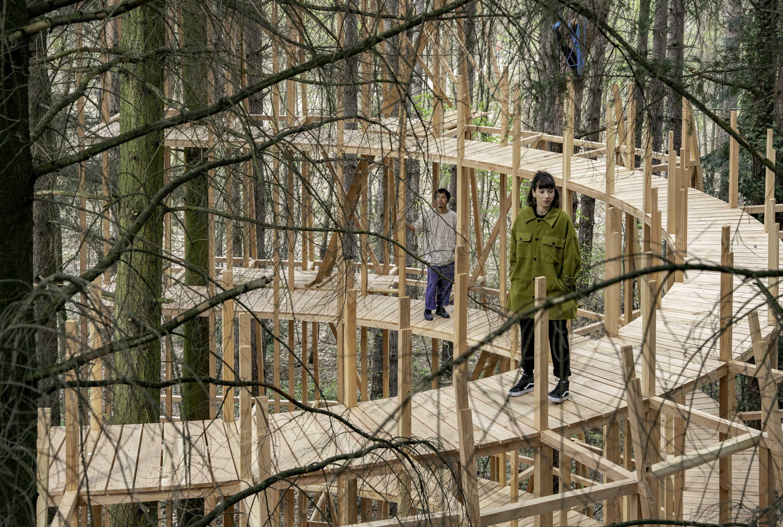 """Le spectacle """"En dessous, la forêt"""" se tient du 15 au 20 juillet dans la forêt de Bondy dans le cadre du festival Paris l'été / © Natacha Gonzales"""