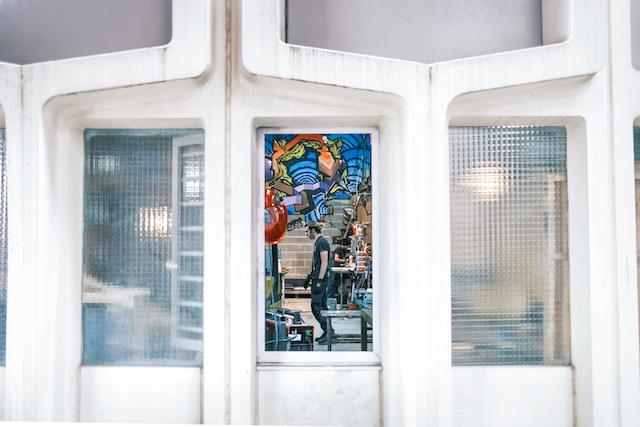 """Mozinor, cité industrielle verticale créée dans les années 70 à Montreuil et classée et qui vient de se voir décerner le label """"Architecture contemporaine remarquable"""" / © Pierre Duquesne pour Enlarge your Paris"""