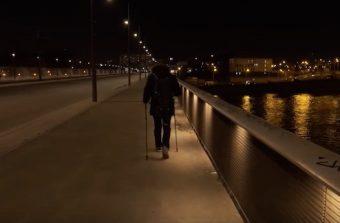 Un écrivain public organise des marches de nuit pour explorer le Grand Paris
