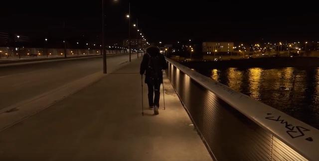 """Faouzi Derbouz a lancé il y a 2 ans les randonnées nocturnes """"Night Trotters"""" à Paris / © Night Trotters - YouTube"""