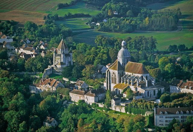 La cité médiévale de Provins, classée au patrimoine mondiale de l'Unesco et accessible en train par la ligne P / © Provins - JP Chasseau